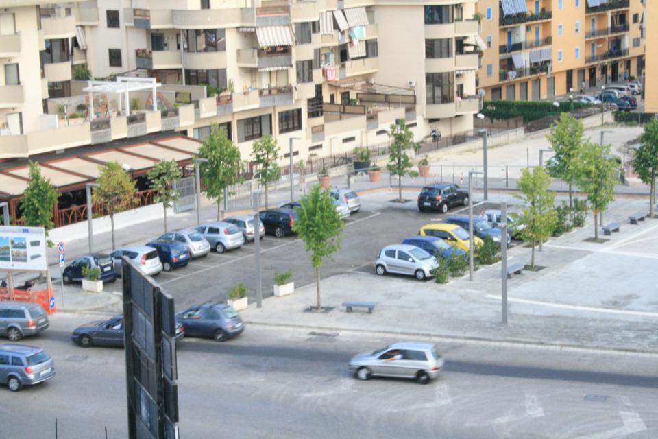 Sala meeting Napoli panoramica: aree parcheggio esterne