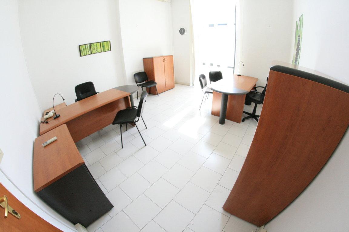 casalnuovo di napoli affitto ufficio arredato con posti